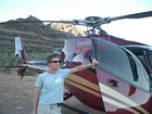 En helikopter nere i Grand Canyon