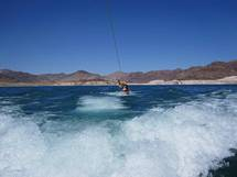 Jeg wakeboard in Lake Mead i Las Vegas